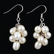 Pendientes de la manera de la plata esterlina con la perla de las mujeres