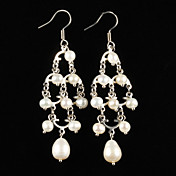 Plata elegante plateó la aleación con los pendientes de las mujeres de la perla