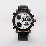 Oulm 男性 軍用腕時計 3タイムゾーン クォーツ レザー バンド ブラック ブルー レッド ブラウン