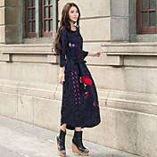 刺繍2017年春モデルはカラーステッチ長いセクションドレスのガウンを打つエスニックスタイルに署名