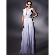 Prom / Military Ball / Formal Evening Dress - White Plus Sizes / Petite Sheath/Column V-neck Floor-length Chiffon