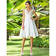 Lanting Bride® A-line / Princess Petite / Plus Sizes Wedding Dress - Reception Little White Dresses Knee-length V-neck Taffeta with