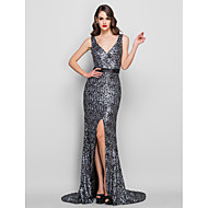 Homecoming Formal Evening/Military Ball Dress - Black Plus Sizes Trumpet/Mermaid V-neck Sweep/Brush Train Charmeuse/Sequined