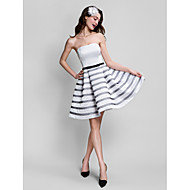 칵테일 파티 / 회사 파티 드레스 A-라인 끈없는 스타일 무릎 길이 새틴 와 리본 / 허리끈/리본
