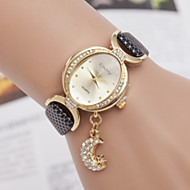 Women's Watches Korean Fashion Ladies Oval Dial Moon Star Pendant Ladies Quartz Watch Cool Watches Unique Watches