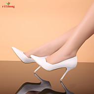 Magnifi<ues chaussures de mariée blanches talo,s hauts