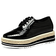 Women's Shoes Leatherette Flat Heel Comfort Fashion Sneakers Office & Career / Dress / Casual Black / Gold