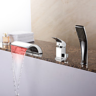 Modern Romeins bad LED Waterval Inclusief handdouche with  Keramische ventiel Single Handle drie gaten for  Chroom , Badkraan