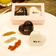 Practical Favors- 2pcs/box Kitchen Tools Mr. and Mrs. Salt and Pepper Shakers Wedding Favors