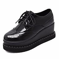 Damen Sneaker Komfort PU Frühling Normal Komfort Schwarz Armeegrün Flach