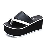 Γυναικείο Παντόφλες & flip-flops Ανατομικό αδέξιος μπότες PU Καλοκαίρι Causal Περπάτημα Ανατομικό αδέξιος μπότες Επίπεδο ΤακούνιΛευκό