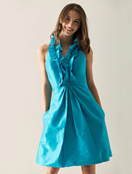 Cocktail Party / Holiday Dress - Pool Plus Sizes / Petite A-line / Princess Halter / V-neck Knee-length Taffeta