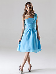 Knee-length Chiffon Bridesmaid Dress A-line One Shoulder Plus Size / Petite with Ruching