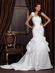 Lanting Bride Trumpet/Mermaid Apple / Hourglass / Pear Wedding Dress-Chapel Train One Shoulder Taffeta