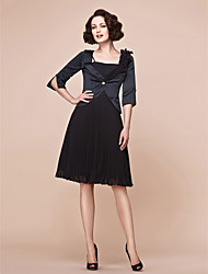 A-line Plus Sizes Mother of the Bride Dress - Black Knee-length Half Sleeve Chiffon/Satin