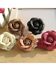 Vintage Floral Shape Leather Brooch(More Colors)