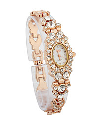Fashionable Women's Alloy Quartz Movement Glass Round with Rhinestone Shape Dress Watch