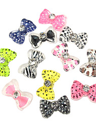24PCS 3D Cover mitad Resina Nail Decoraciones Diamond Cartoon pajarita