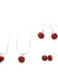 conjunto de jóias (vermelho dois colares e dois pares de brincos)