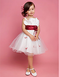A-line / Princess Knee-length Flower Girl Dress - Satin / Tulle Sleeveless Square / Straps with Draping / Flower(s) / Sash / Ribbon