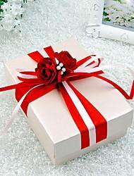 Elégante boîte de faveur Cuboid avec les fleurs rouges (Set of 30)