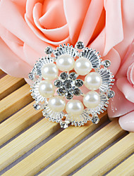 Wedding Décor Ornamental Accessory With a Round Venetian Pearl