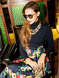 TS Платье средней длины с контрастным цветочным принтом