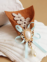 Broche Lolita Bouquet style White Pearl douce
