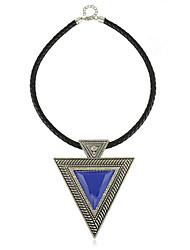 Collier de style européen des femmes Acrylique Triangle