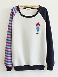 Женская шею милая девушка вскользь длинным рукавом свободные свитера