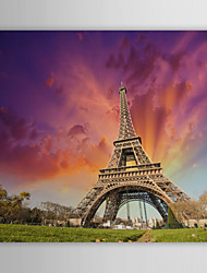 Toiles Tendues Art Paysage debout au pied de la Tour Eiffel