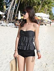 Preto clássico e pontos brancos estilo encantador Nylon da Mulher e Spandex Two-Pieces Swimsuit