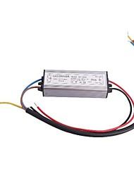 Driver de LED de 30W Waterproof IP66 10 Series 3 Paralela Fonte Converter (30 38V, 900mAh)