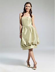 Knee-length Strapless Bridesmaid Dress - Vintage Inspired Sleeveless Taffeta