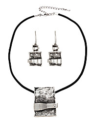 Pendant Rentangular Necklace & Earrings Jewelry Set (colore casuale)