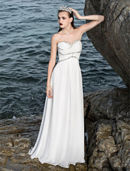 Sheath / Column Petite / Plus Sizes Wedding Dress - Classic & Timeless / Chic & Modern Sparkle & Shine Floor-length Sweetheart Chiffon