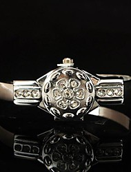 Magnificent Women's Leather Metal Fashion Watch