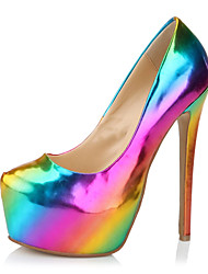plataforma de tacón de aguja de las mujeres bombea los zapatos