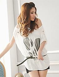 SSMN aile chauve-souris de la douille des femmes découpé t-shirt