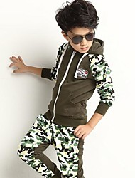 Boy's Camouflage Hooded Clothing Sets(More Colors)