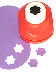 DIY Cutting Tool Mini Metal Plum Blossom Pattern Punch(Random Color)
