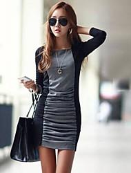 Женское плиссированное приталенное мини платье