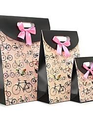mignon coffret cadeau modèle de vélo avec ruban rose