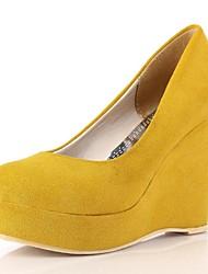 Women's Spring / Summer / Fall / Winter Heels / Platform / Round Toe Faux Suede Dress Wedge Heel Brown / Yellow / Beige