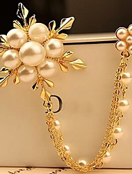 Fashion Pearl Snowflake Brooch