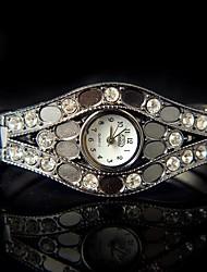 simples rétro montre bracelet de magnifiques femmes