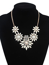 Women's Elegant Flowers Cluster Clearance Bib Statement Necklace