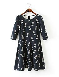 женская мода фонограф громкоговоритель печати три четверти рукавом платье