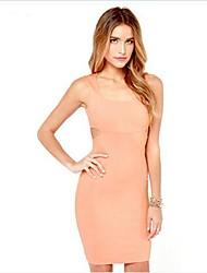 vestido de talle alto sin respaldo hueco-hacia fuera atractivo de las mujeres