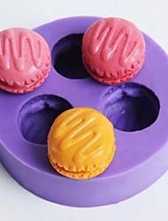 três furos macarons fondant em forma de molde bolo de chocolate